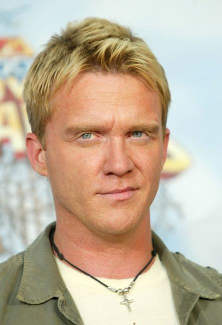 Anthony Michael Hall at the 2005 MTV Movie Awards.