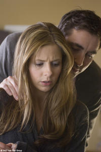 Sarah Michelle Gellar and Lee Pace in