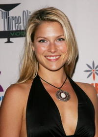 Ali Larter at the Sugar & Spice 2005 Annual Holiday Fundraiser.