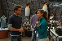 Cam (Jessica Alba) and Charlie (Dane Cook) in