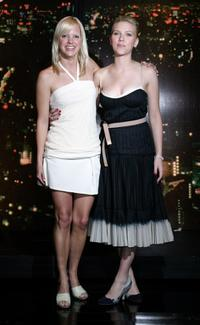 Anna Faris and Scarlett Johansson at the