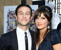 Joseph Gordon-Levitt and Zooey Deschanel at the premiere of