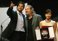 Jeff Bridges, Tod Williams and Xu Jinglei at the 52nd San Sebastian International Film Festival.