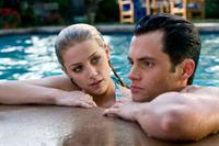 Amber Heard and Penn Badgley in