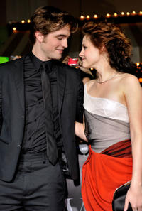 Robert Pattinson and Kristen Stewart at the L.A. premiere of