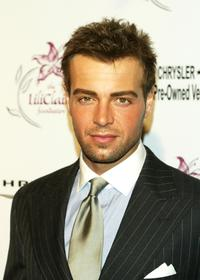 Joey Lawrence at the Lili Claire Foundation's 6th Annual Benefit.