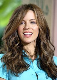 Kate Beckinsale at the 2004 Crest Whitestrips Style Awards.