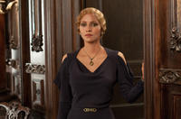 Halle Berry as Jocasta Ayrs in
