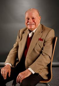Don Rickles poses in the portrait studio during AFI FEST 2007 presented by Audi.
