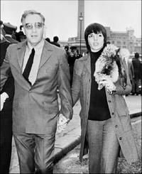 Peter Sellers and Liza Minneli at the paris walk together.
