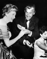 Jean Simmons, Deborah Kerr and Stewart Granger picture taken during a dinner in Los Ageles.