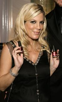 Tori Spelling at the 2006 American Music Awards.