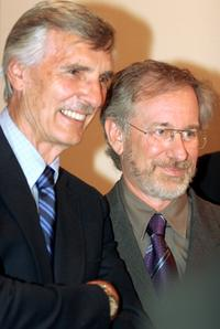 Dennis Weaver and Steven Spielberg at the 29th Annual Saturn Awards.