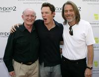 Peter Boyle, Matthew Lillard and Raja Gosnell at the premiere of