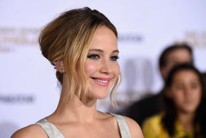 News Briefs: Jennifer Lawrence Drops 'Rosie,' Considers Darren Aronofsky's Mystery Movie