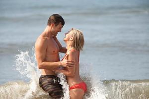 "Josh Duhamel and Julianne Hough in ""Safe Haven."""