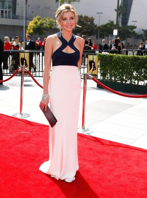 Sarah Chalke at the 2008 Creative Arts Emmy Awards.