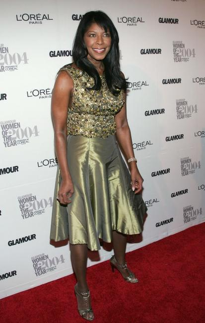 Natalie Cole at the 15th Annual Glamour