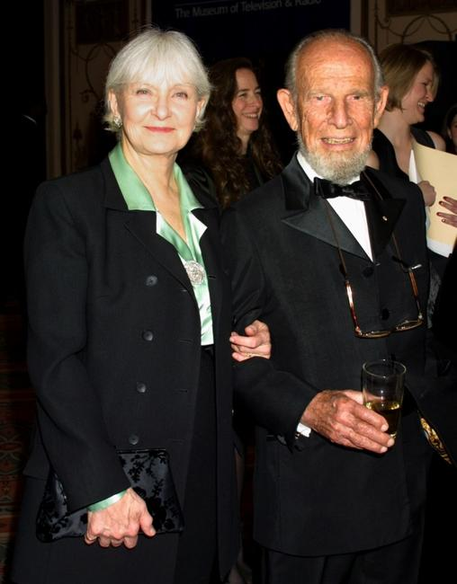 Hume Cronyn and Joanne Woodward at the Museum of Television & Radio's annual gala.