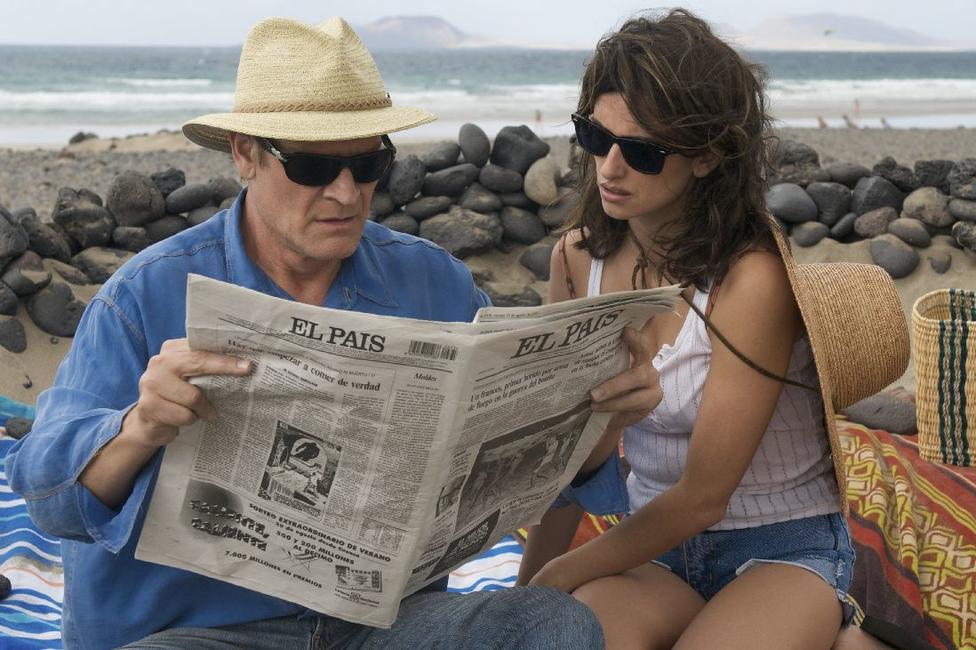 Lluis Homar as Mateo and Penelope Cruz as Lena/Pina in