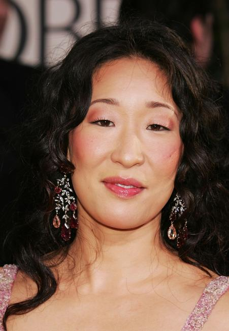 Sandra Oh at the 62nd Annual Golden Globe Awards.