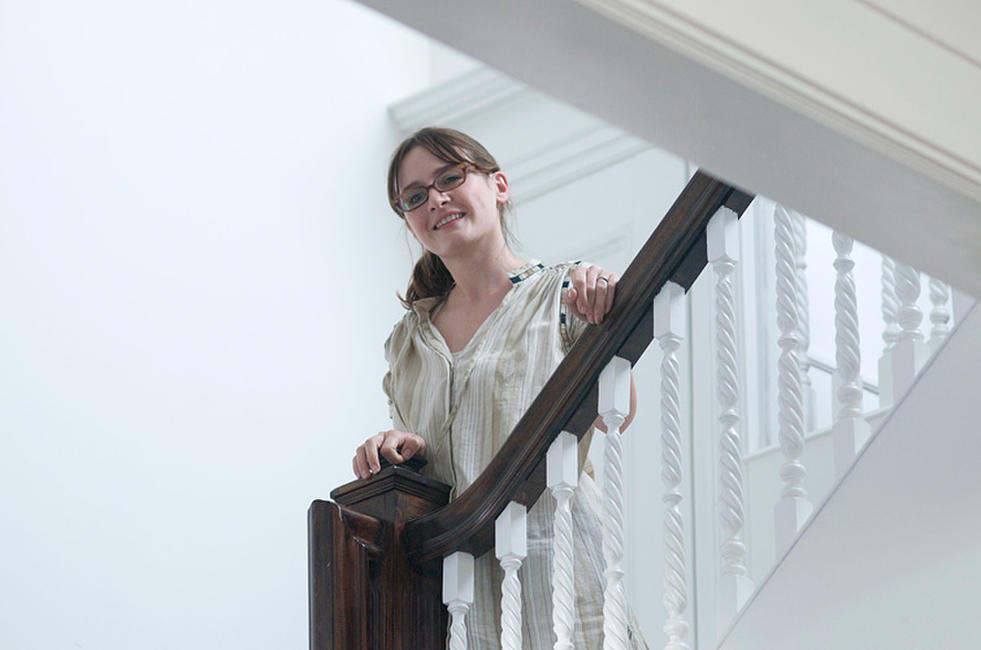 Emily Mortimer as Liz in