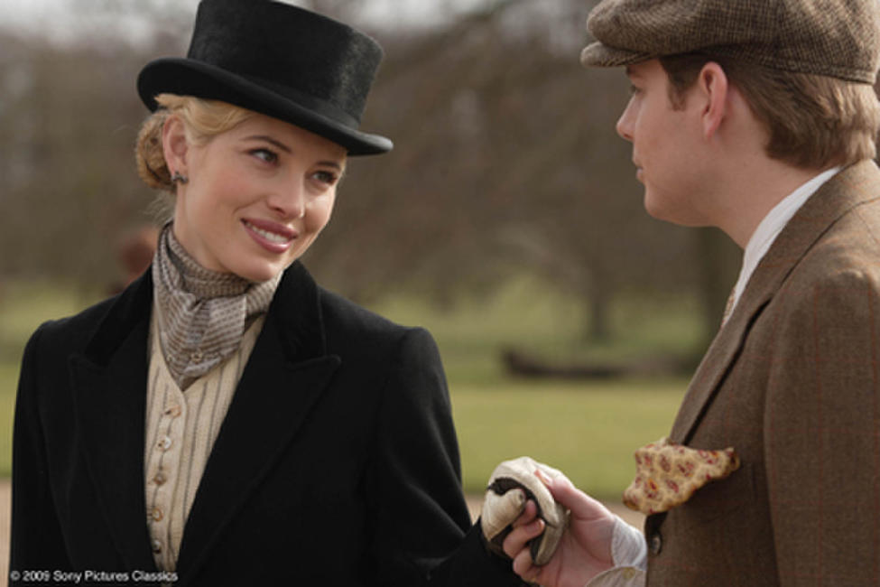 Jessica Biel as Larita and Pip Torrens as Lord Hurst in