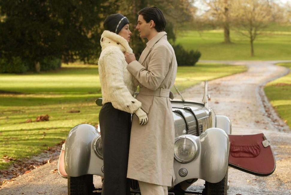 Jessica Biel as Larita Huntington and Colin Firth as Jim Whittaker in