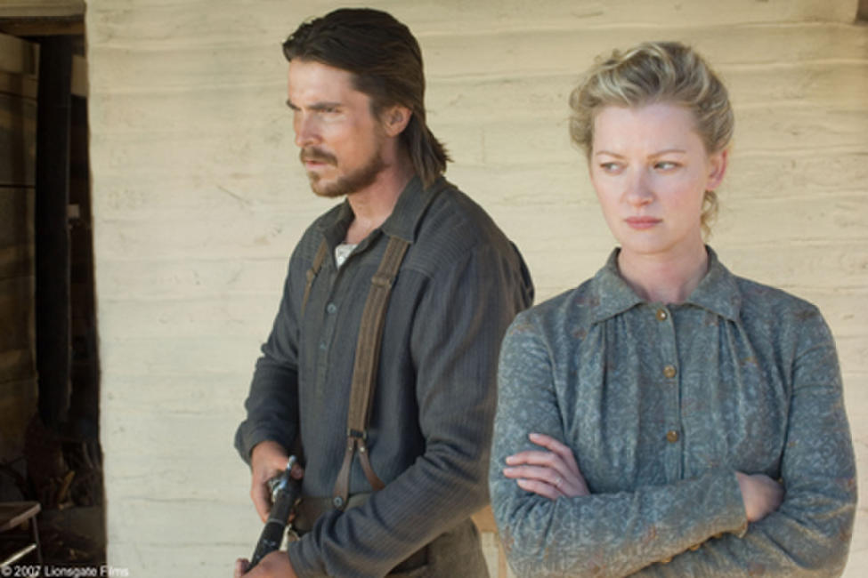 Dan Evans (Christian Bale) and Alice Evans (Gretchen Mol) in