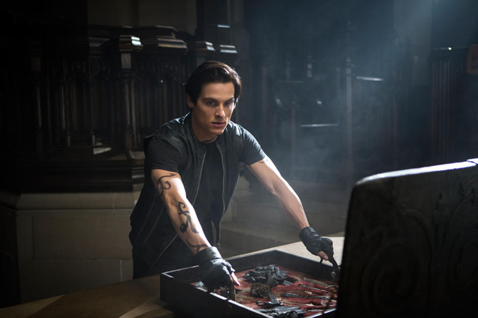 Kevin Zegers as Alec in