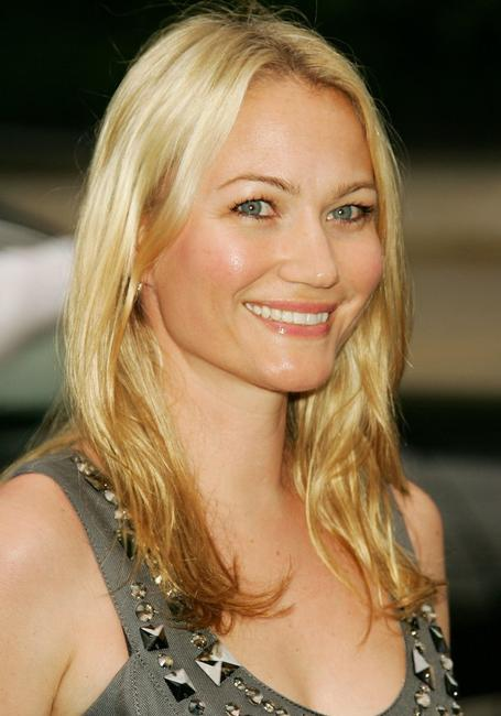Sarah Wynter at the Fresh Air Fund's