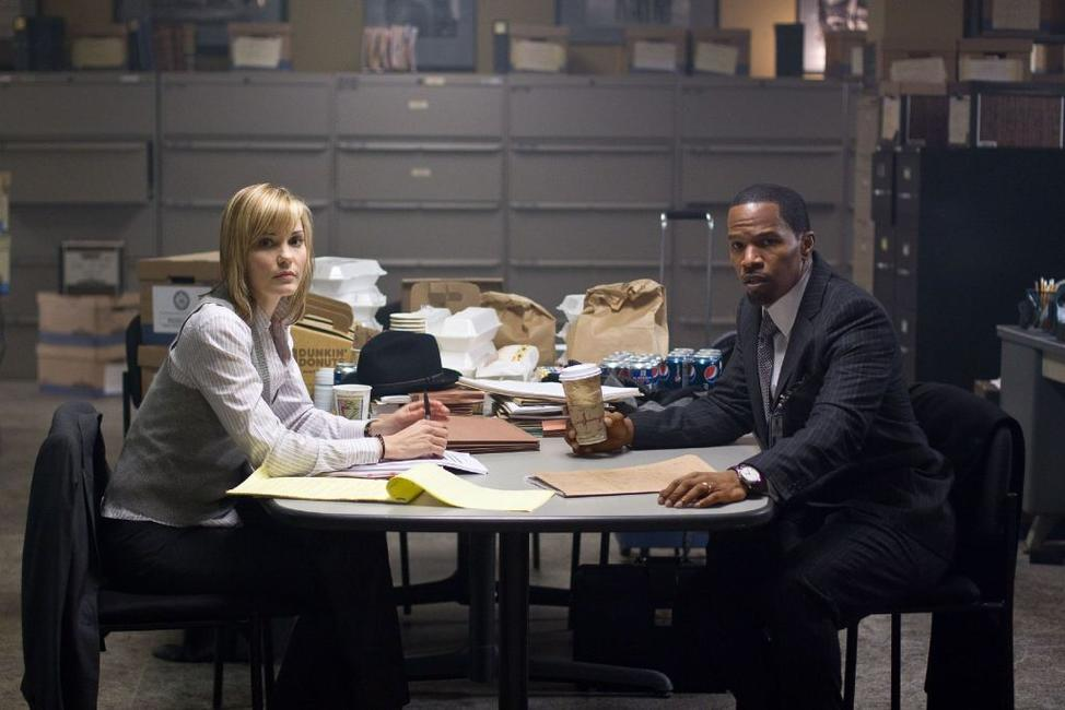 Leslie Bibb and Jamie Foxx in