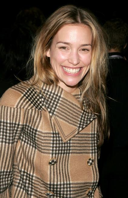 Piper Perabo at the Oscar De La Renta Fall 2007 fashion show during the Mercedes-Benz Fashion Week.