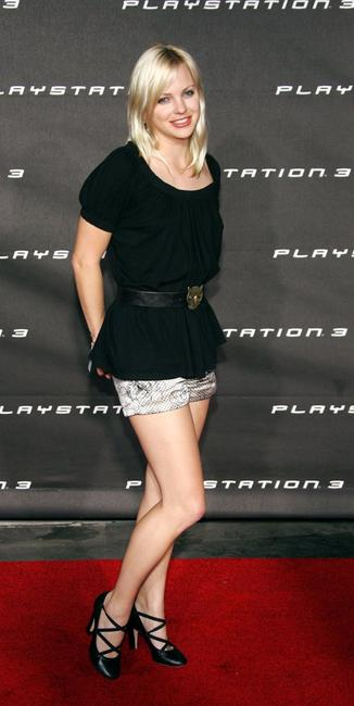 Anna Faris at the Launch Party of Sony Computer Entertainment America Playstation 3.