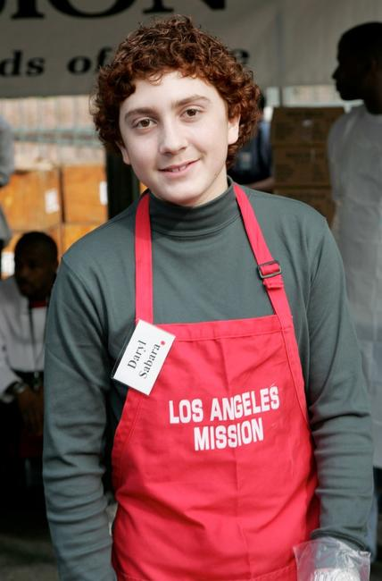 Daryl Sabara at the Los Angeles Mission's Christmas meal.