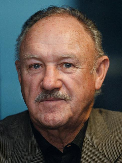 Gene Hackman at the signing copies of his first novel Perdido Star at the Borders book store in Chicago.