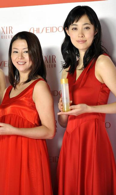 Kyoko Koizumi and Kazue Fukiishi at the display of the skin care and anti-aging product brand