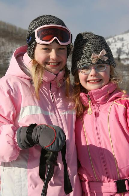 Dakota Fanning and Elle Fanning at the 2007 Sundance Film Festival.