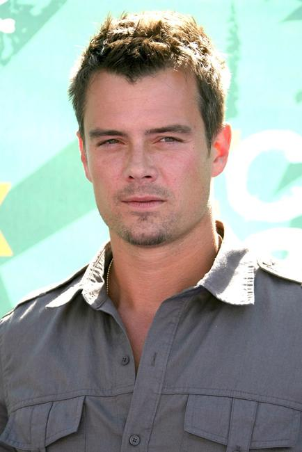 Josh Duhamel at the 2008 Teen Choice Awards.