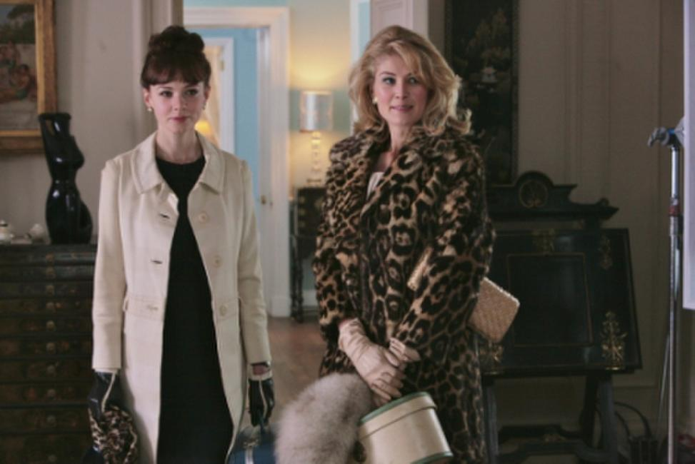 Carey Mulligan as Jenny and Rosamund Pike as Helen in