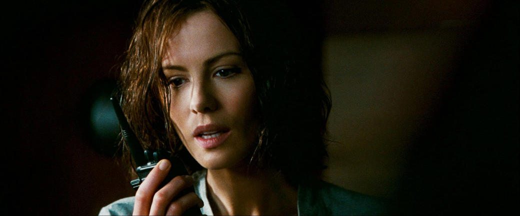 Kate Beckinsale as Carrie Stetko in