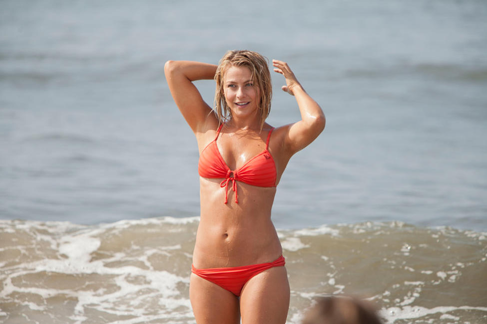 Julianne Hough in