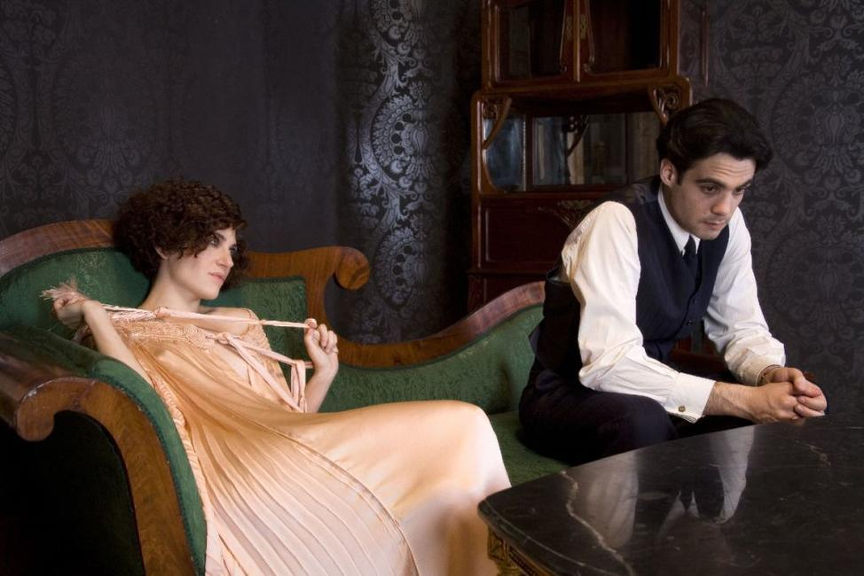 Marina Gatell as Magdalena and Javier Beltran as Federico Garcia Lorca in