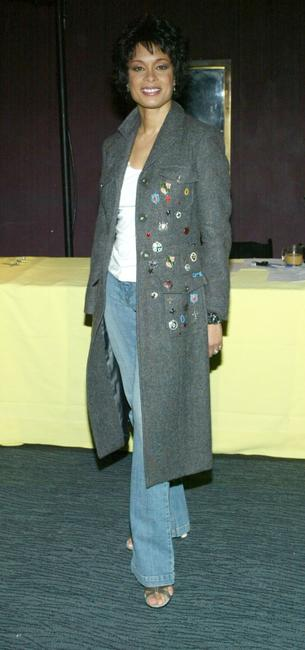 Valarie Pettiford at the CBS/UPN's Super Bowl XXXVIII Party during the 2004 Winter Press Tour.
