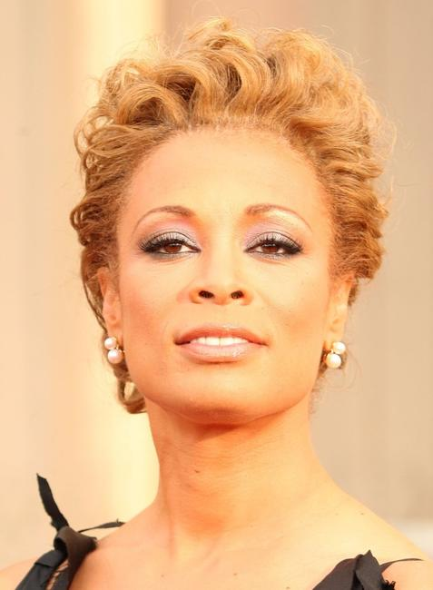Valarie Pettiford at the 37th Annual NAACP Image Awards.