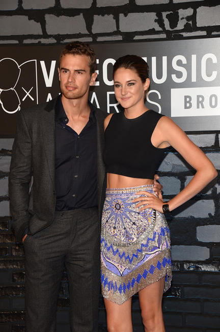 Theo James and Shailene Woodley at the 2013 MTV Video Music Awards.