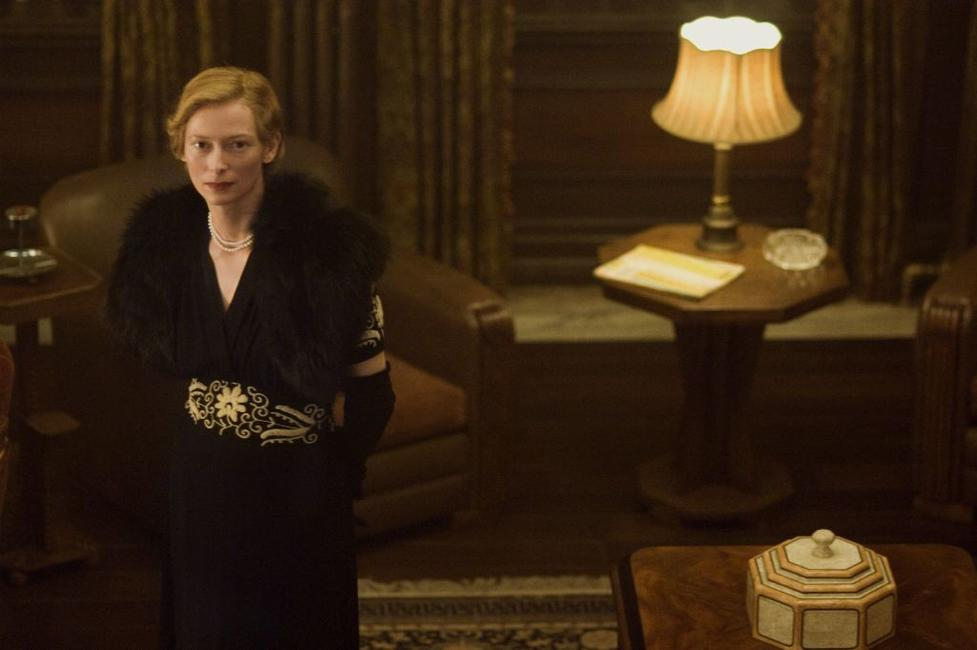Tilda Swinton as Elizabeth Abbott in