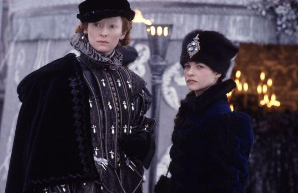Tilda Swinton as Orlando and Charlotte Valandrey as Sasha in