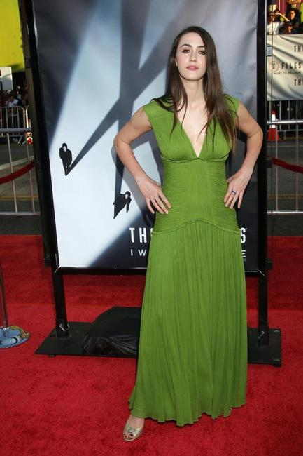 Madeline Zima at the premiere of
