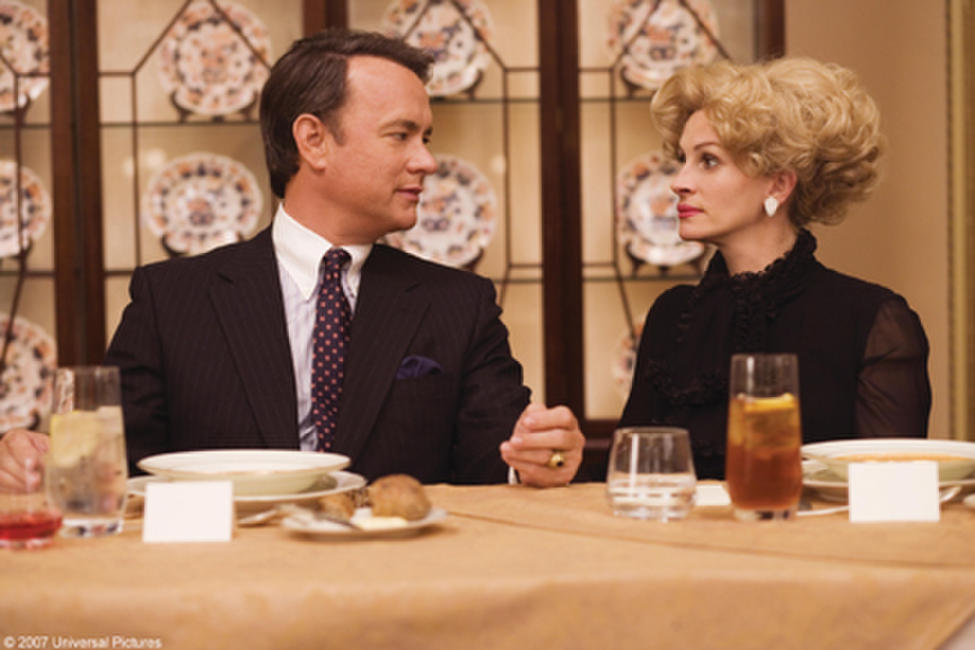 Tom Hanks and Julia Roberts in